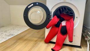 Surf wetsuit wassen in de wasmachine