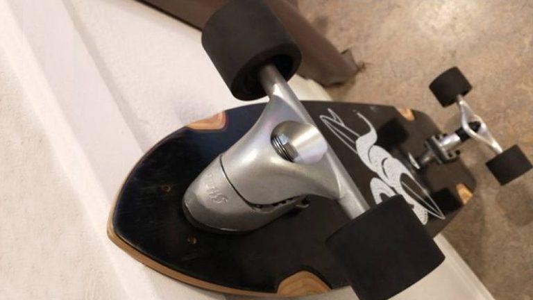 Uitgelichte foto van een surfskate gemaakt met de Slide Surfskate Truck Kit
